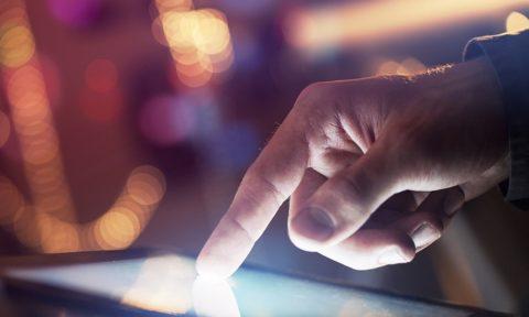 Tüketici Teknolojisi Ürünleri Pazarı 2016 son çeyrekte %6 büyüdü.