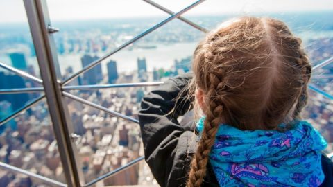 Expat çocuklarının kendilerini 'evde' hissetmeleri 6 aydan uzun sürüyor